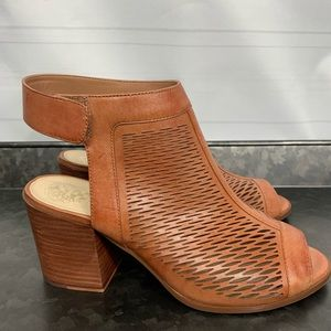 Vince Camuto Lavette Brown Leather Sandals 8.5